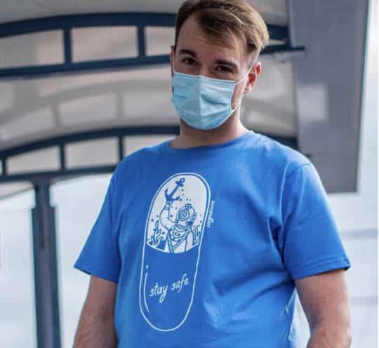 Shirt von vonsandlass Taucher in der Kapsel