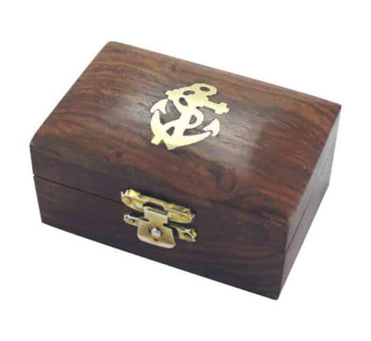 Holzbox mit Ankermotiv von Sea Club