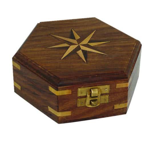 Holzbox mit Windrose-Inlay von Sea Club