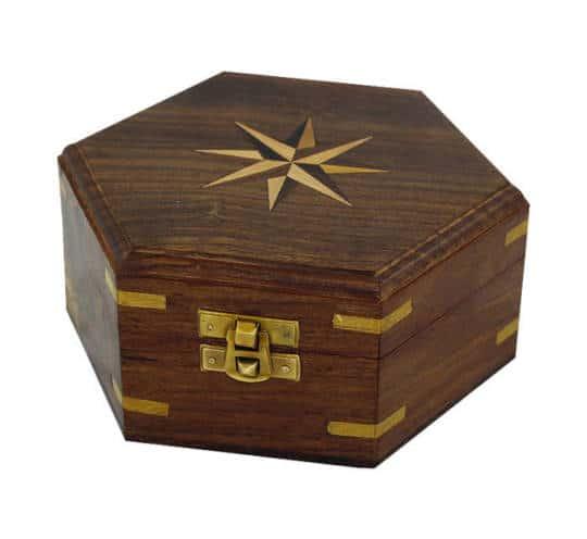 Holzbox mit Windrose-Inlay groß von Sea Club